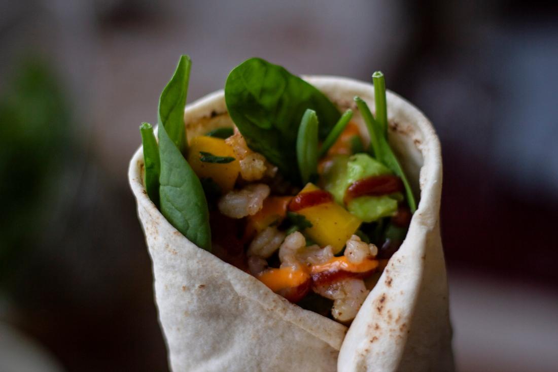 shrimp-sriracha-mayo-wrap