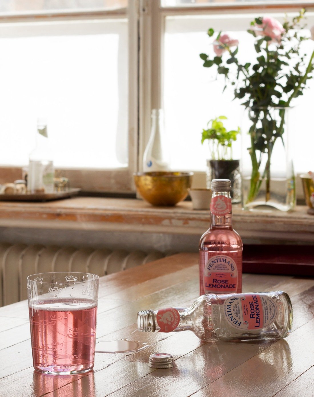 fentimans-rose-lemonade-bottles-flowers
